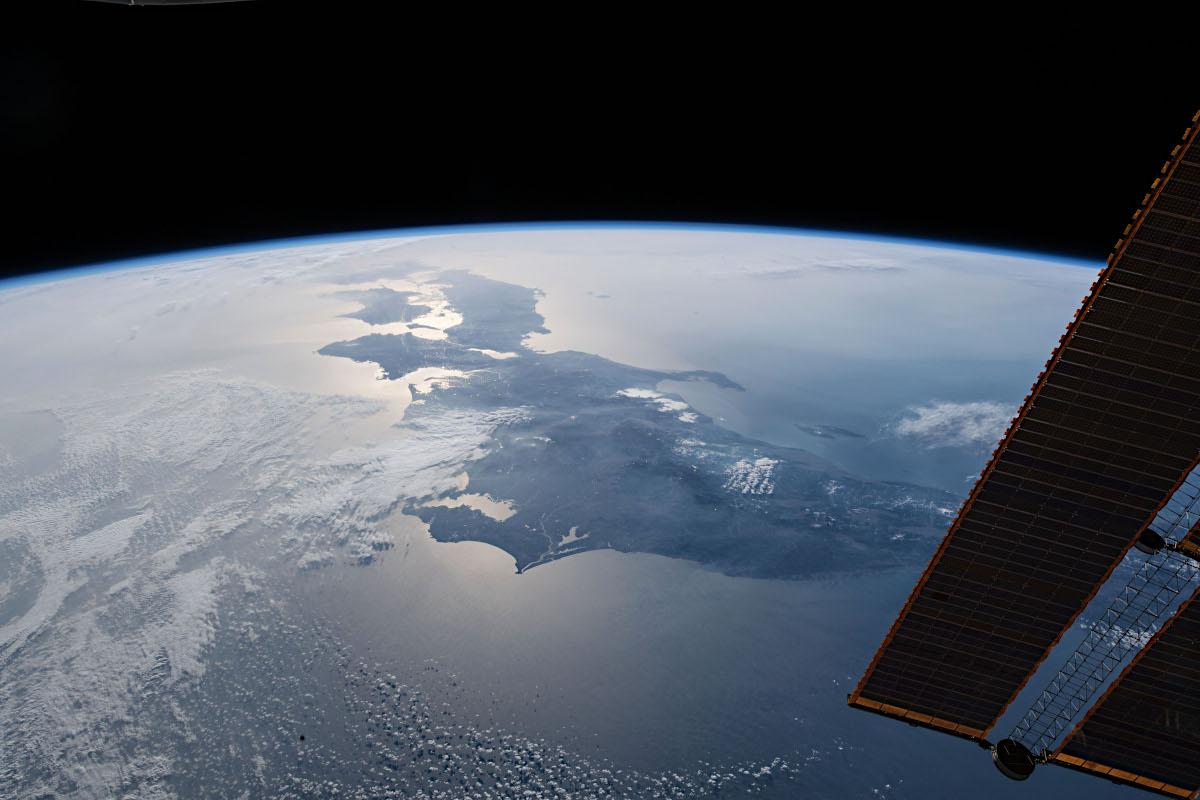 国際宇宙ステーションからみた日本列島   アストロピクス