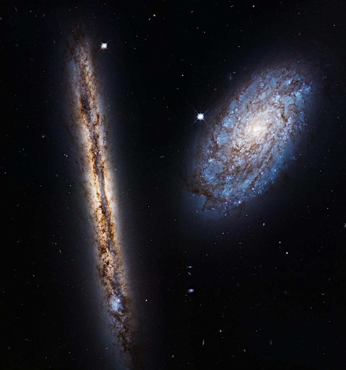 かみのけ座にある渦巻銀河のペア 〜 ハッブル打ち上げ27周年記念画像 ...